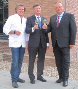 Chef Paul Lute, voormalig premier Jan Peter Balkenende en KVNW-voorzitter Peter van Houtert