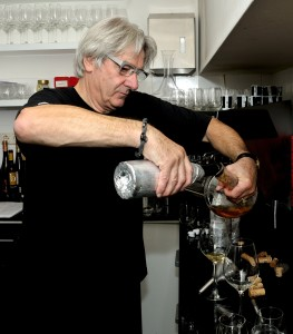 Jan van Lissum, regisseur van deze fameuze proeverij bereidt zich voor