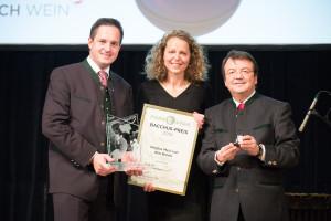 Regina Meij ontving de Bacchuspreis, de hoogste Oostenrijkse wijnonderscheiding