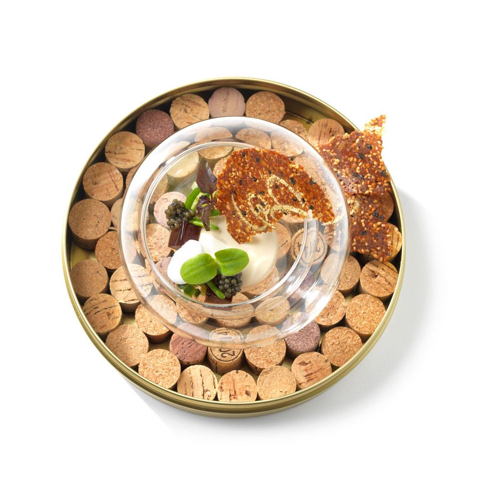 Kreeftenmousse, Royal Anna kaviaar, Salty Fingers, Borage cress en een sesamkoekje - Vista 47