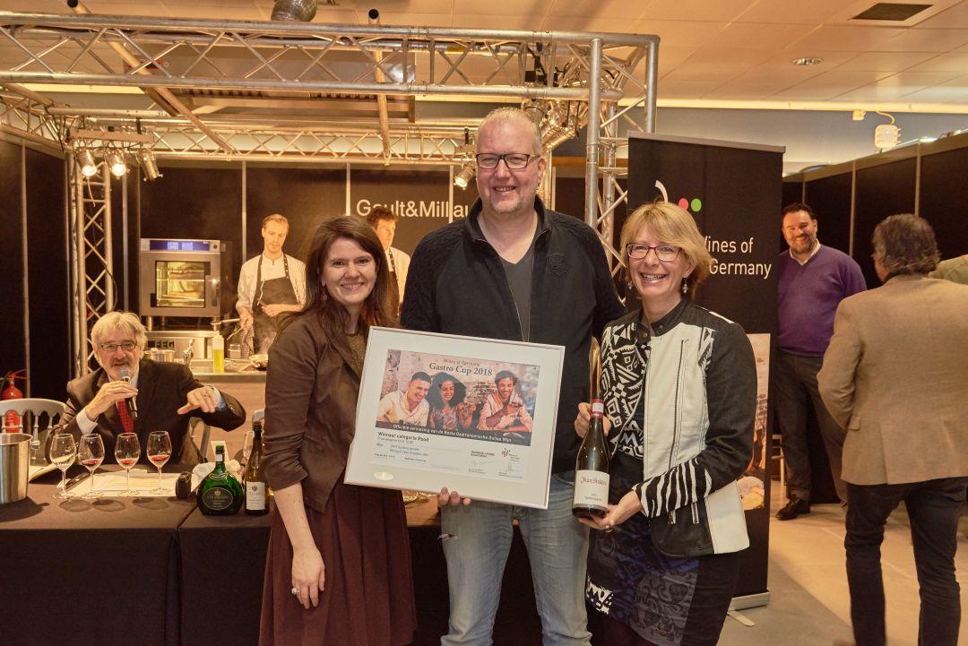 Erik Muller (Pasteuning) met Kyra van Lissum en Ulrike Bahm