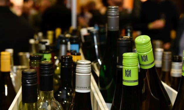 John Bindels  –  'Is die wijn goed, meneer?'