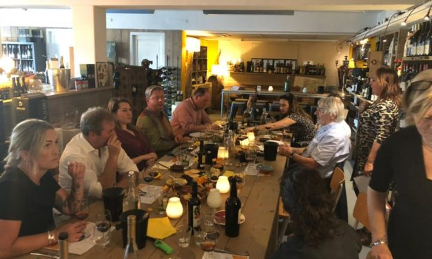 Sherry en amuses bij Vino Nobile
