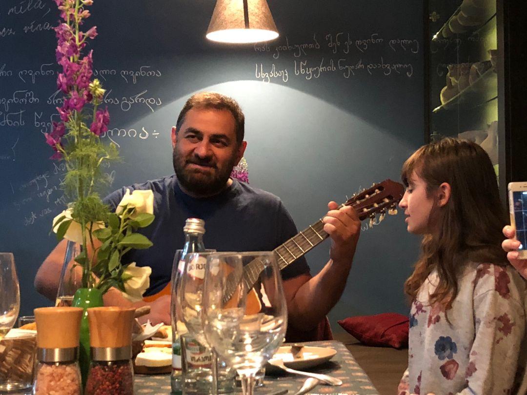 Luarsab Togonidze en dochter