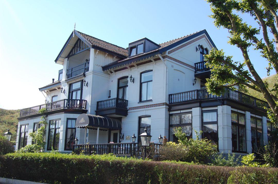 Puur Zee, Hotel Villa de Klughte